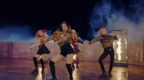 BLACKPINK、『PLAYING WITH FIRE(JP Ver.)』フルM/V動