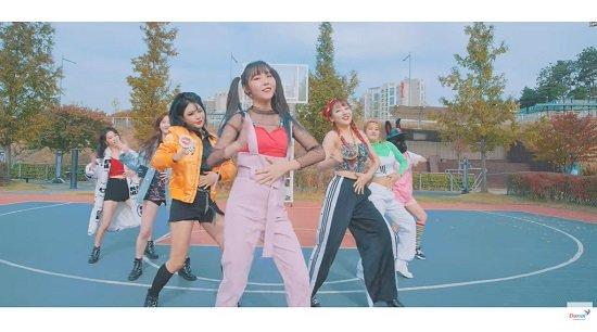 Pink Fantasy シングル『Playing House』M/V公開