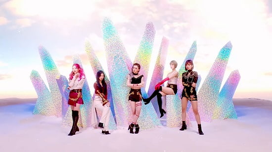 新人ガールズグループCRAXY、デビュー曲『ARIA』M/V公開