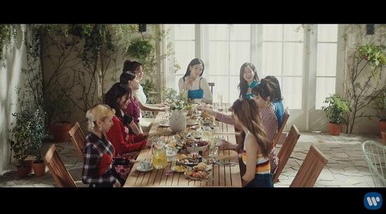 TWICE 日本8thシングル『Kura Kura』M/V公開