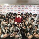 TWICE、AKB48&乃木坂46と撮った写真をシェア