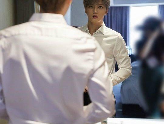 JYJジェジュン、釜山国際映画祭のビハインド写真を公開