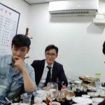 BIGBANGのT.O.P、 イ・ビョンホンと食事写真をシェア